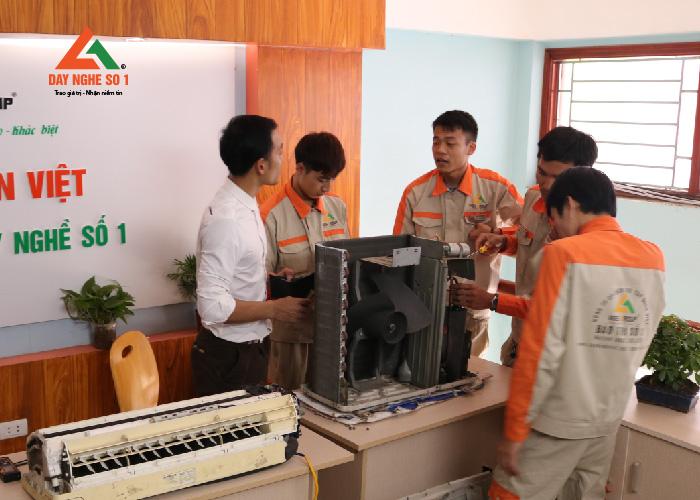 Học nghề điện lạnh ngắn hạn là hướng đi đúng đắn cho giới trẻ