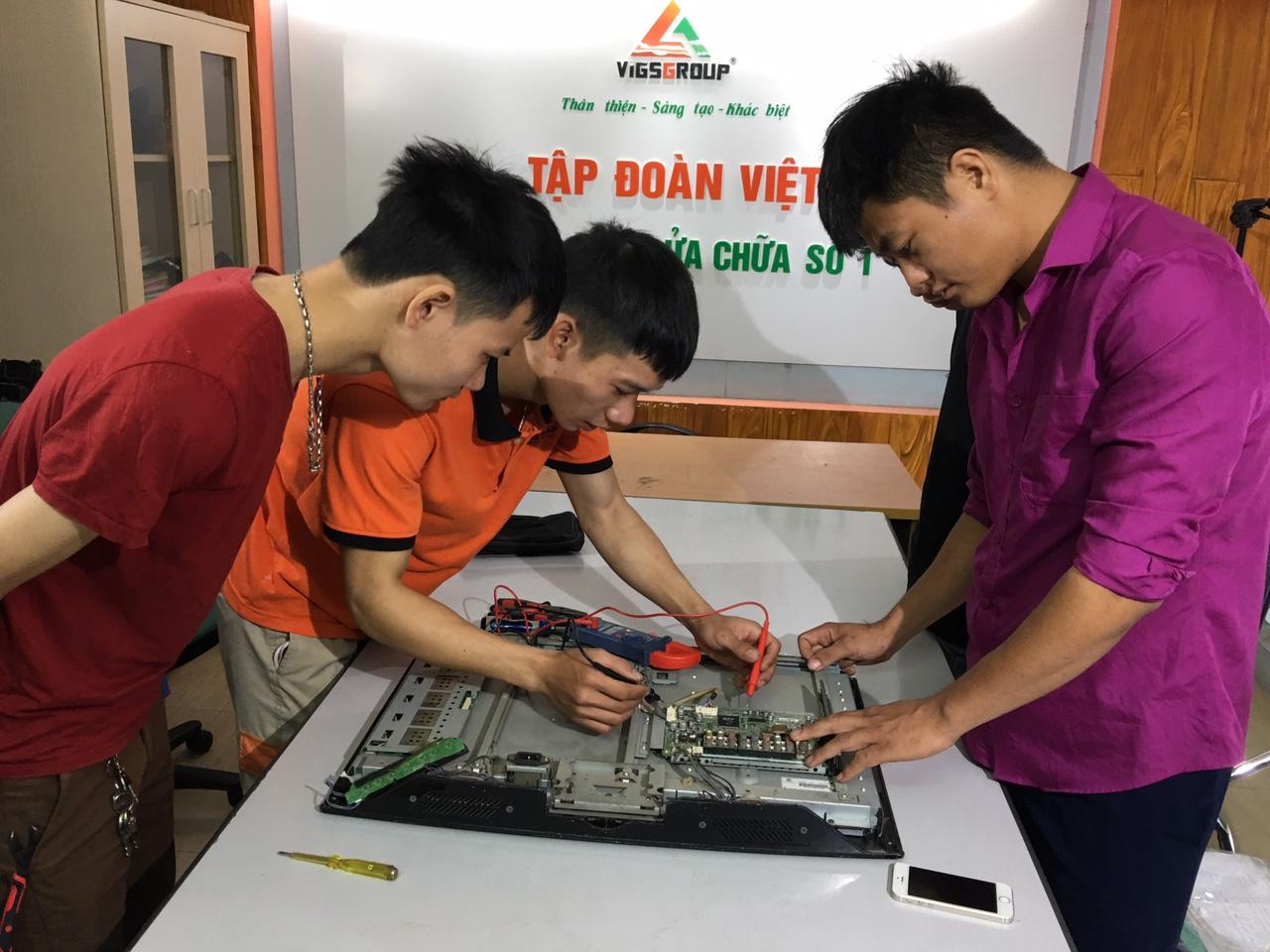 Học sửa chữa điện tử tại trung tâm Dạy nghề số 1