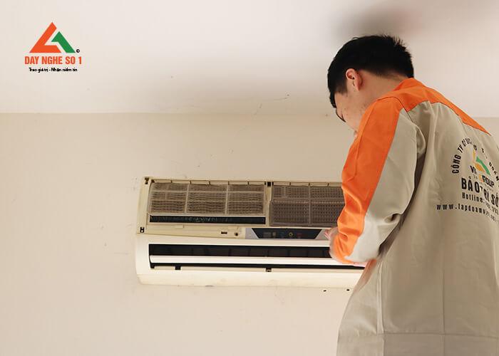 Nghề sửa chữa điện lạnh rất phát triển ở nước ta