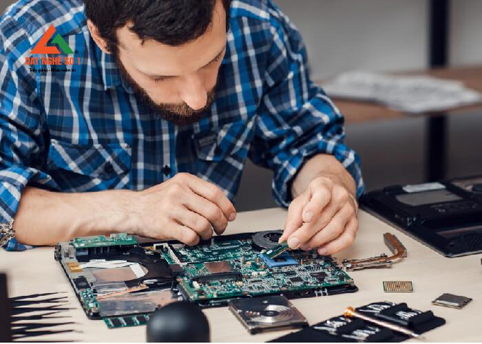 Học nghề sửa chữa máy vi tính tại trung tâm Dạy nghề số 1