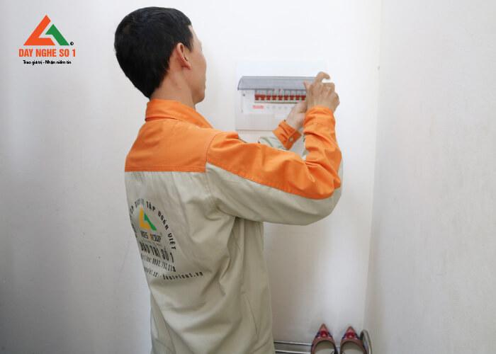 Khóa học nghề điện dân dụng tại Trung tâm dạy nghề số 1